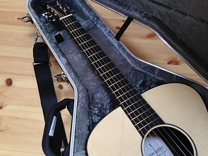 ROCKLITE® as a Tonewood. Rory rocklite guitar